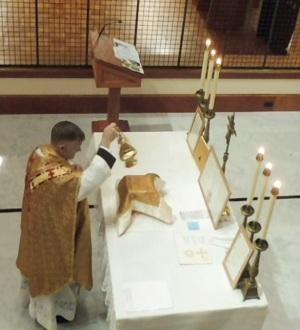Incensing altar